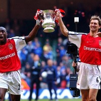 Tony-Adams-Arsenal-FA-Cup-2002_1427634