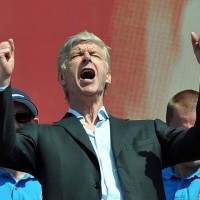 wenger celebrating fa cup win